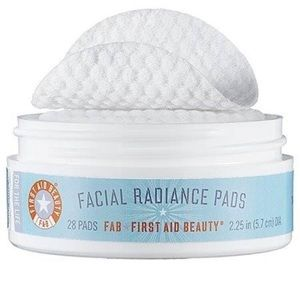 💄First Aid Beauty facial radiance pads
